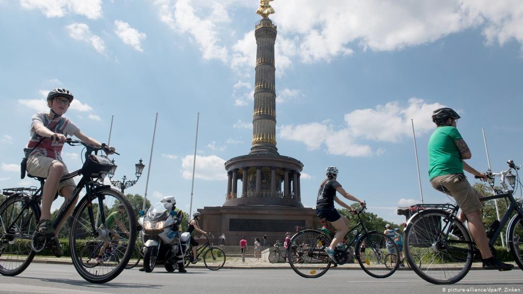 Berlim é uma das sugestões de cidade para visitar de bike