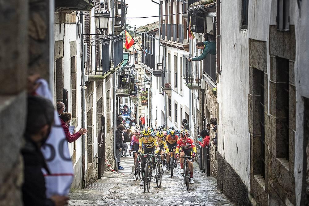 a cor das jerseys na Volta a Espanha mudou bastante ao longo dos anos